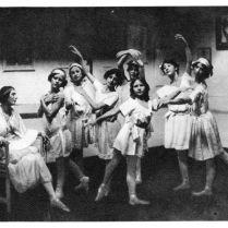 anna et ses élèves 1913