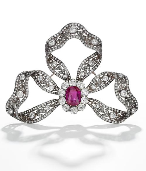 MARIE ANTOINETTE noeud rubis diamants