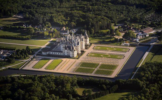 CHAMBORD le chateau.jpg