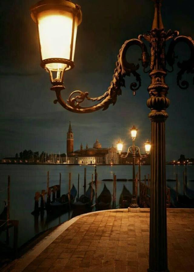 LAMPADAIRE 2.jpg
