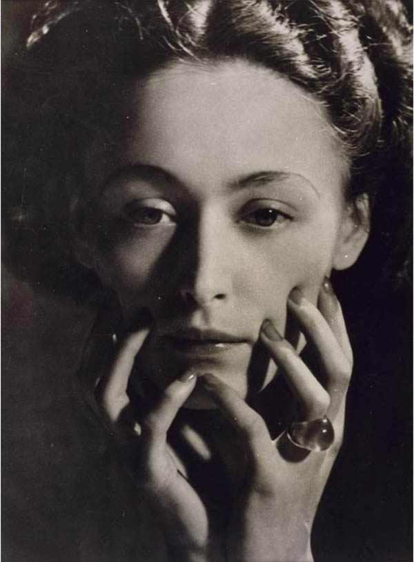 MAAR Nush Eluard 1935.jpg
