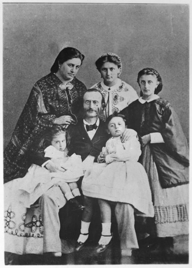 OFFENBACH et sa famille