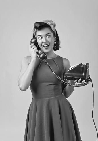 femme au téléphone.jpg