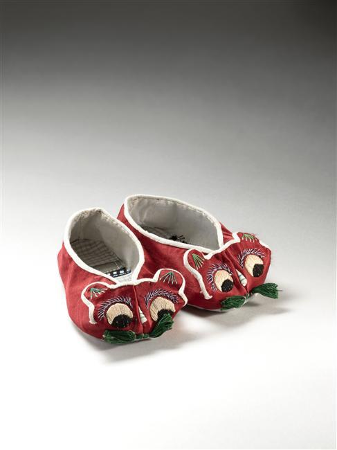 MARCHE ET DEMARCHE chaussures enfant à tête de chat.jpg