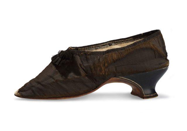 MARCHE ET DEMARCHE le petit soulier de Marie-Antoinette.jpg