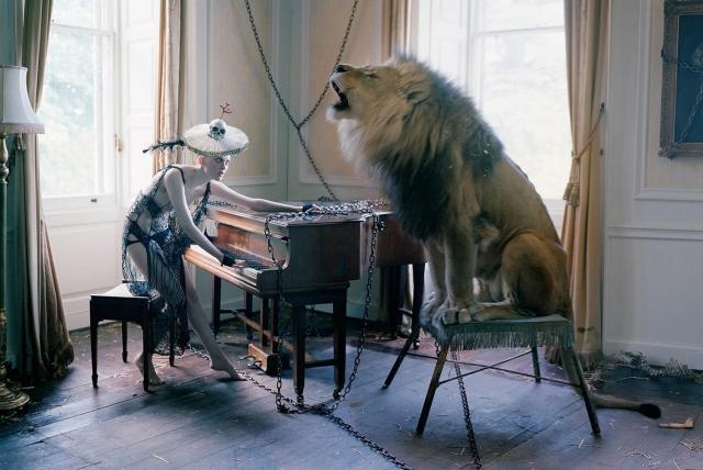 Tim WALKER Atlas the lion.jpg