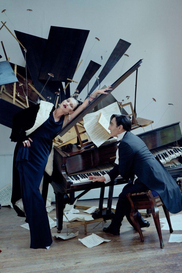 Tim WALKER Kate Moss et John GALLIANO.jpg