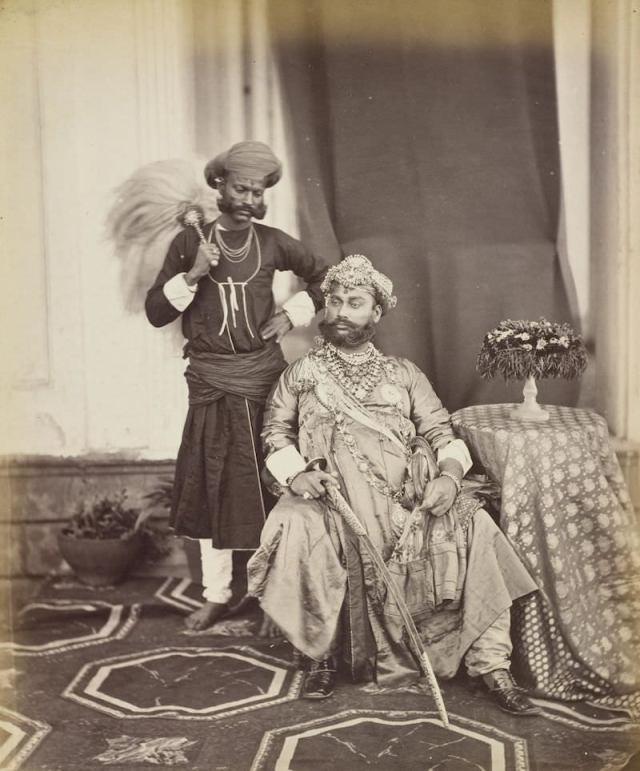 INDE Bourne & Shepherd Tukoji Rao II Holkar maharajah d'Indore Épreuve sur papier albuminé 1877