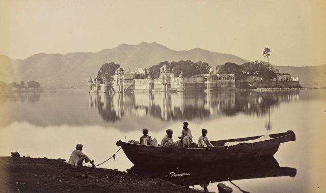 INDEStudio Bourne & Shepherd Udaipur. Le palais de Jag Mandir sur le lac Pichhola