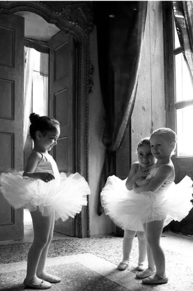 Danse et petite fille