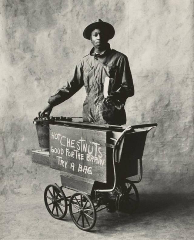 PENN Le vendeur de marrons 1951