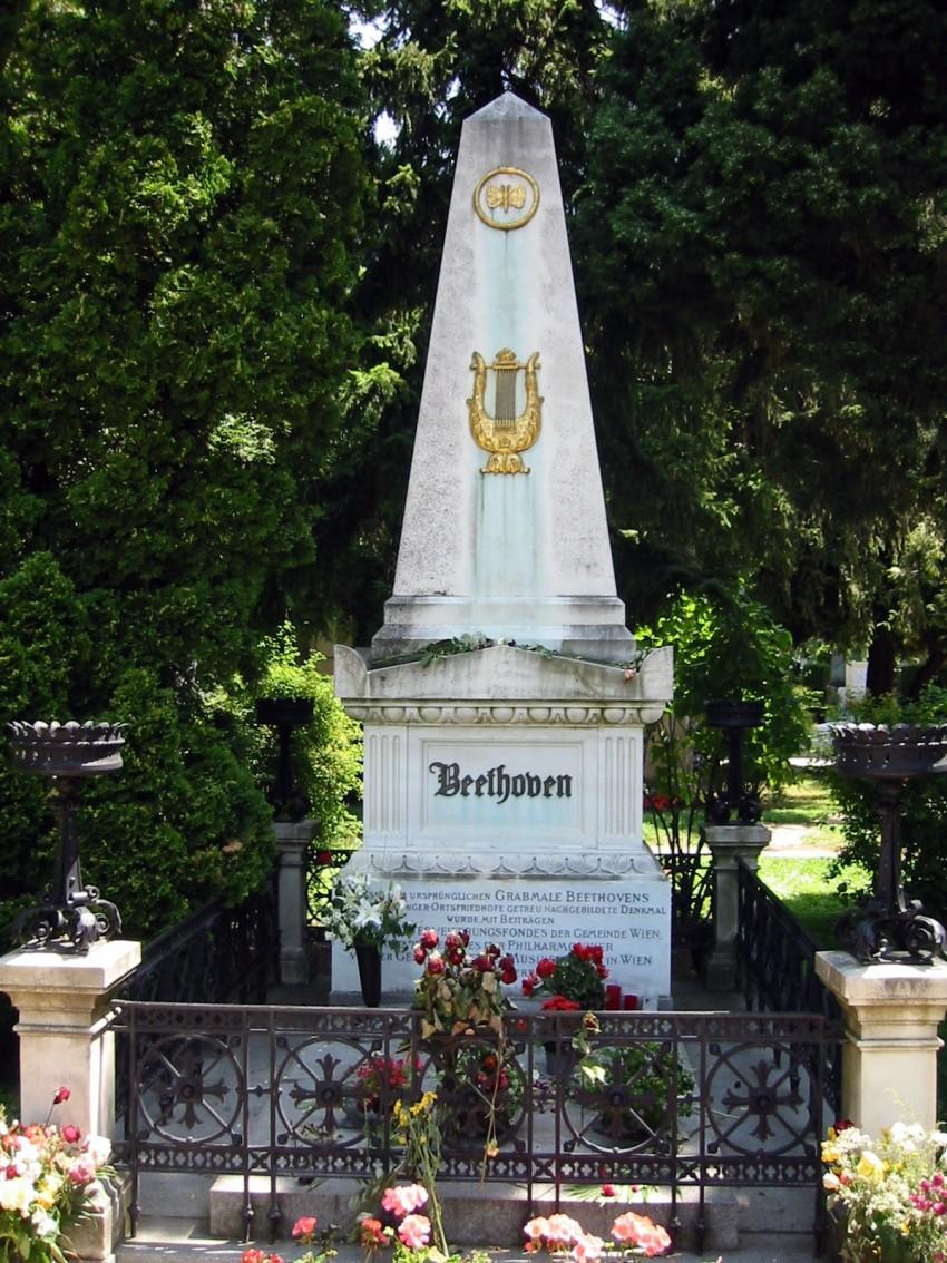 BEETHOVEN Tombe