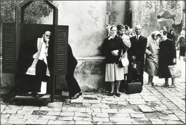 ERWITT Confessional de rue 1940