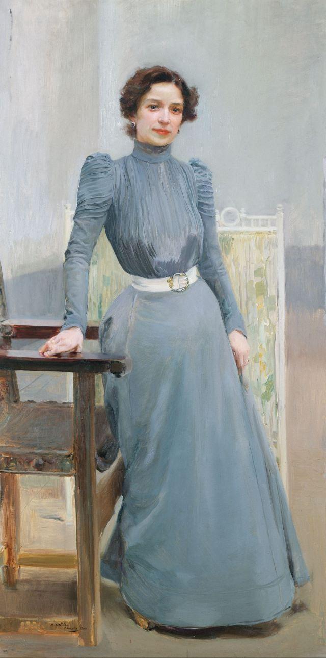 SOROLLA Clotilde en robe grise